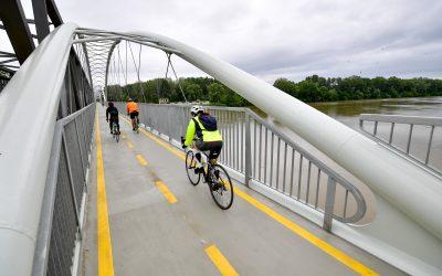 Biciklivel a Tisza-tó körül: Látványos fejlesztések a kerékpáros útvonalak mentén