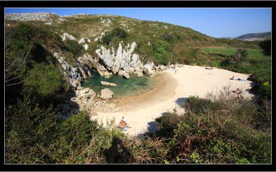 Playa de Gulpiyuri: Elrejtett gyöngyszem a spanyol tengerparton